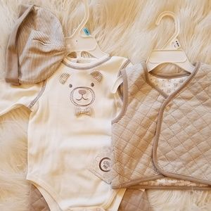 *NWT* 4-Piece Quilted Teddy Bear Outfit